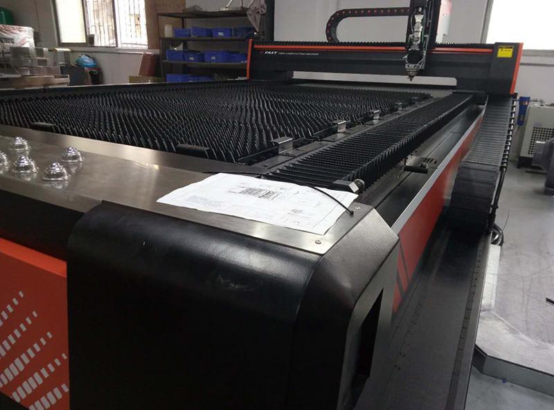 全厨通-工厂设备-激光切割机