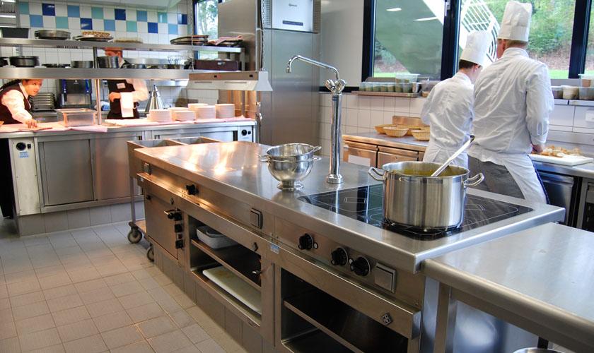 产物跌价当面 考验着商用厨房设备企业的政策头脑