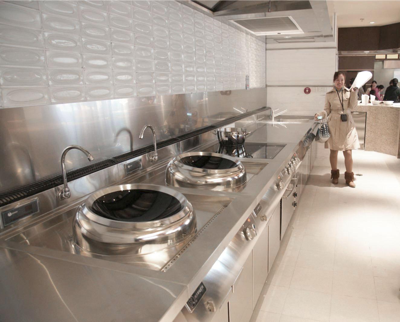 酒店商用厨房灶具从专业的角度如何挑选